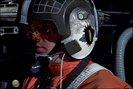 """czarny symbol z żółtym okiem pośrodku było znakiem rozpoznawczym """"Specter Squadron"""